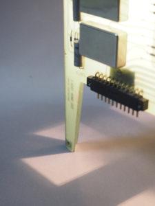 lampe quadripes avec cartes électroniques