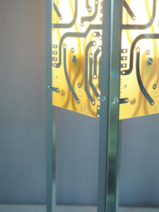 Lampe jaune design et argenté