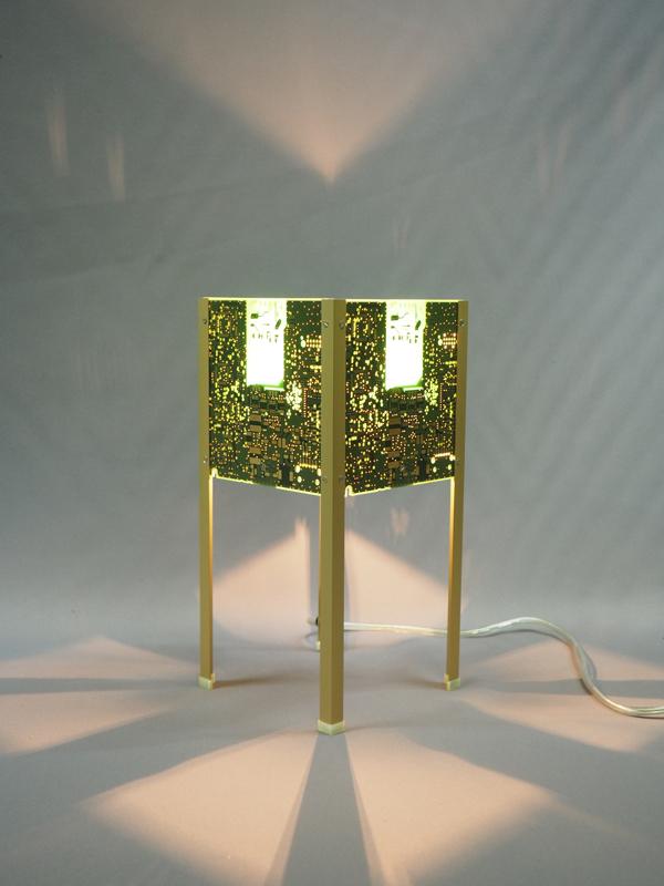 Lampe verte dorée design